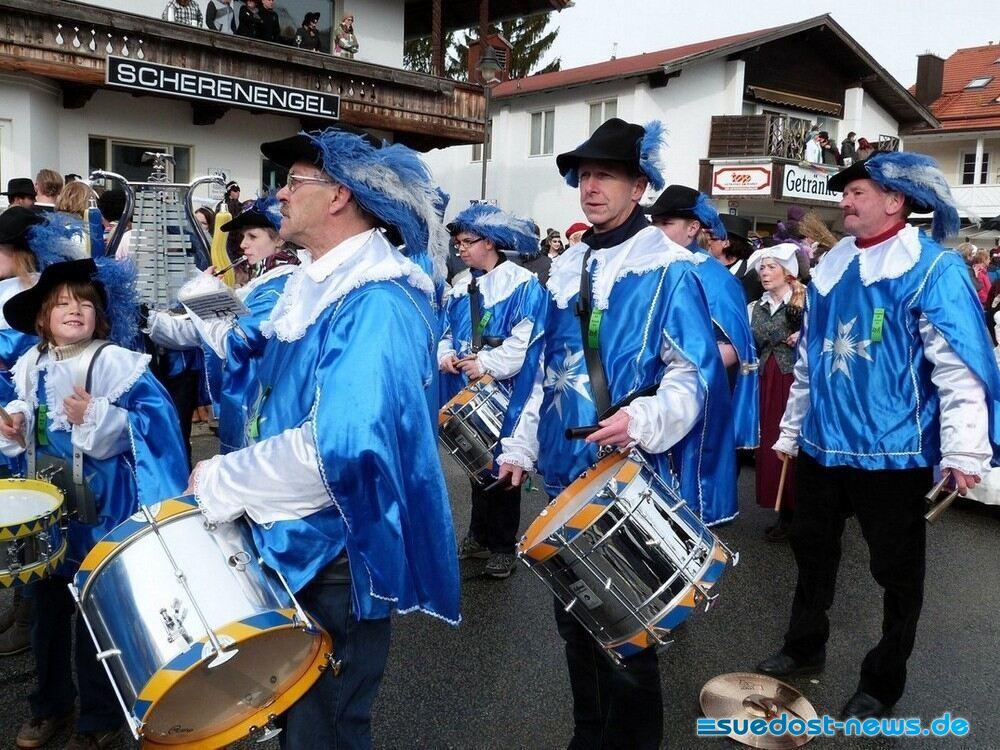 SPZ-beim-Gaudiwurm-2014-in-Grassau_Foto-2