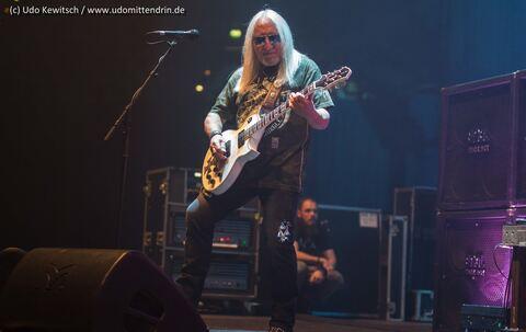 Status Quo Mit Vorband Uriah Heep In Der Olympiahalle München