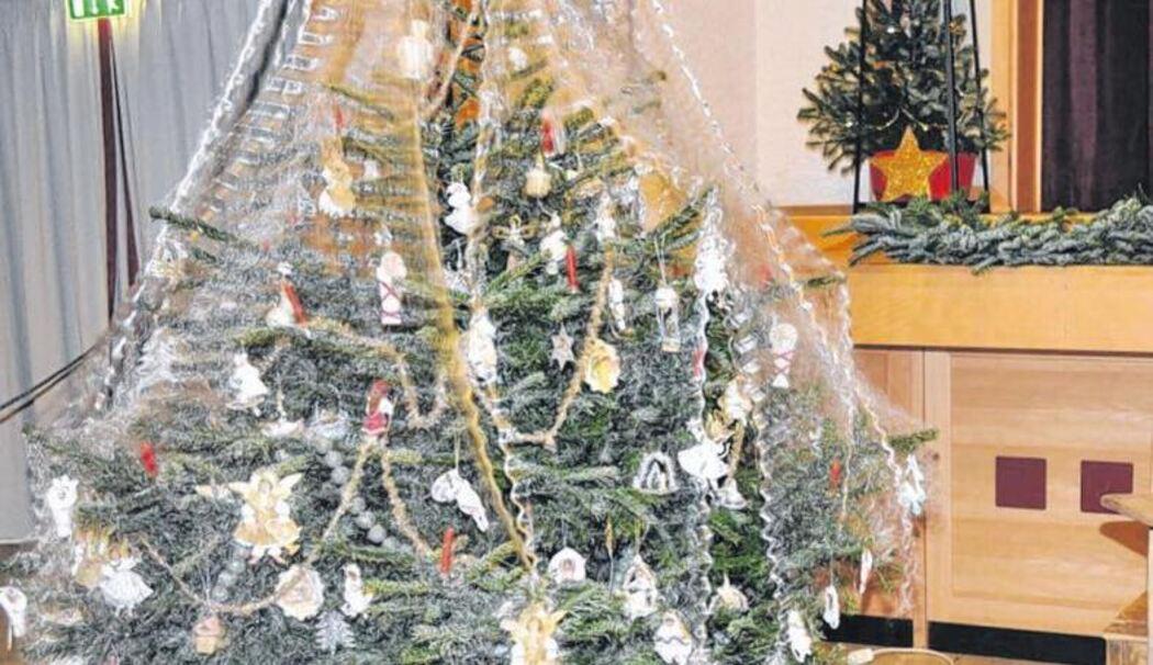 Weihnachtsbaum Engelshaar.Ausstellung Im Heftersaal Begeisterte Die Besucher Zeitreise Durch