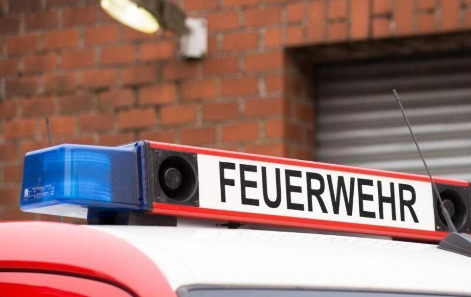 Christbaum F 228 Ngt Feuer Bewohnerin Verletzt 100 000 Euro