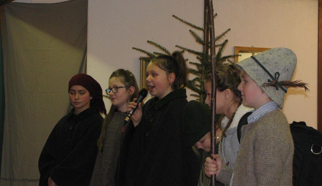 Weihnachtsfeier Theaterstück.Waging Hirtenspiel Und Theaterstück Bei Der Weihnachtsfeier Der