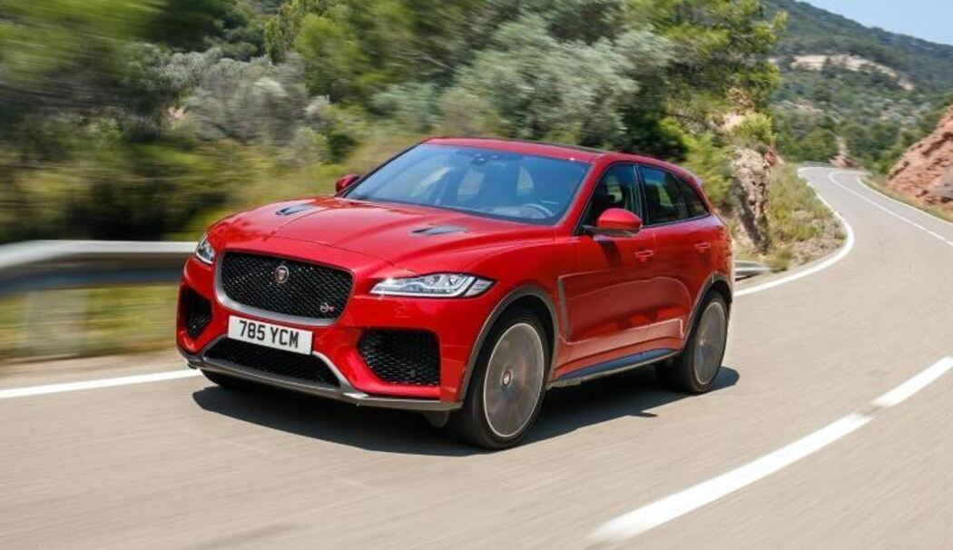 jaguar f pace kommt jetzt auch als svr mit 550 ps. Black Bedroom Furniture Sets. Home Design Ideas