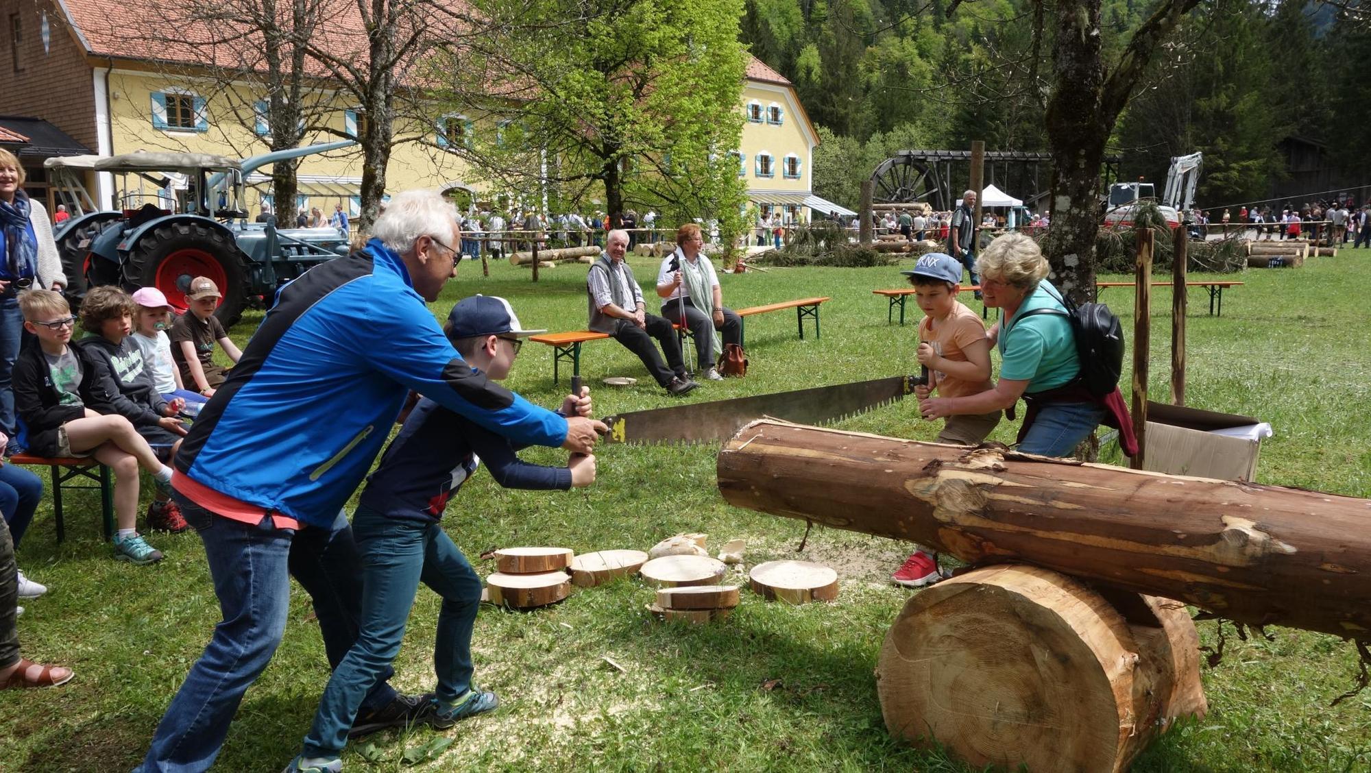 400 Jahre Holzknechtverein Ruhpolding gefeiert