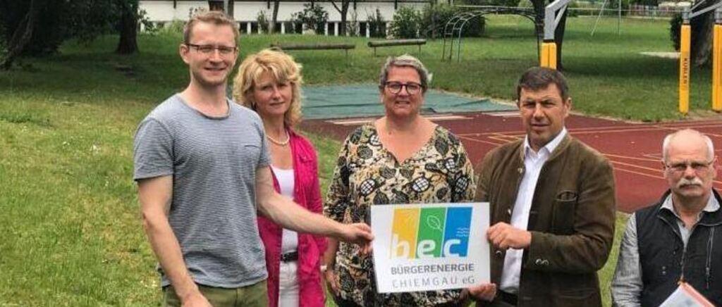 Bürgerenergie Chiemgau eG übergibt PV-Anlagen