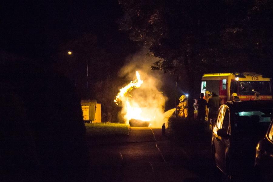 Mülltonnenbrand - Anwohner verhinderten Schlimmeres
