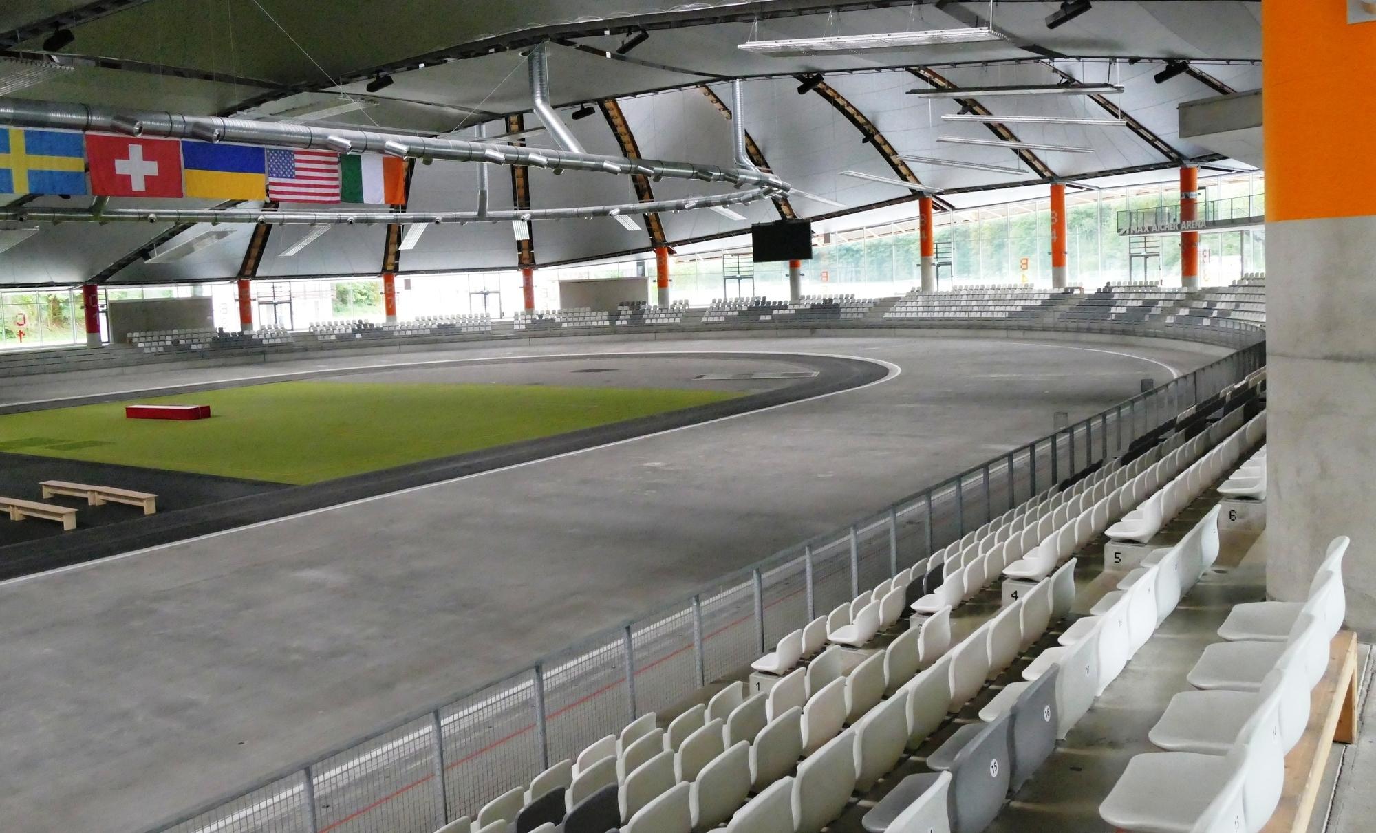 Max-Aicher-Arena auch im Sommer nutzen – Unterschied zwischen Roland Kaiser und AC/DC