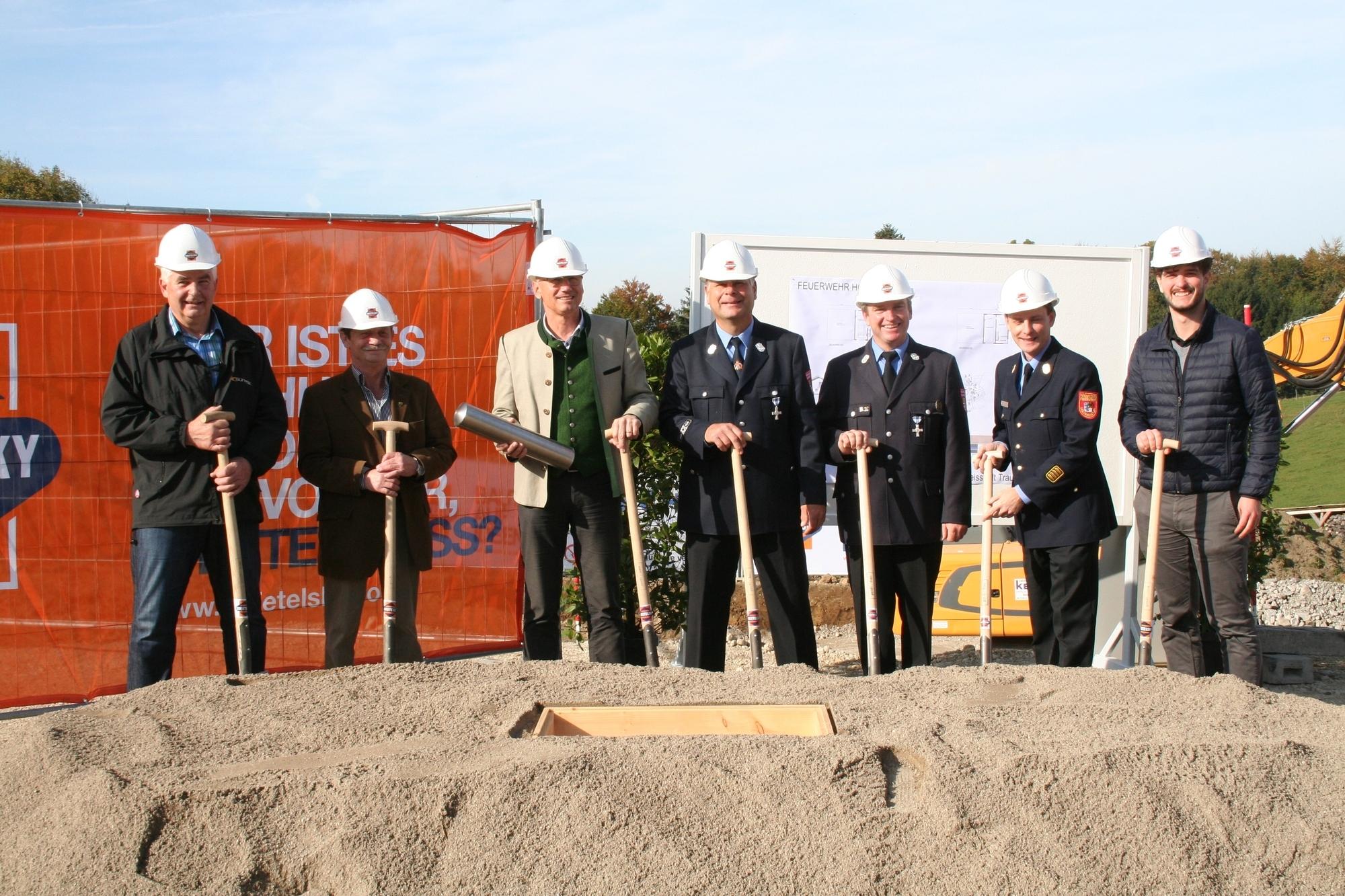 Grundstein für neues Feuerwehrhaus gelegt
