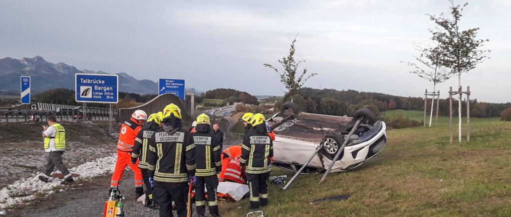 Siegsdorf: Schwerer Unfall auf Straße neben der A8 bei Schweinbach – Fahrer schwer verletzt - Traunsteiner Tagblatt